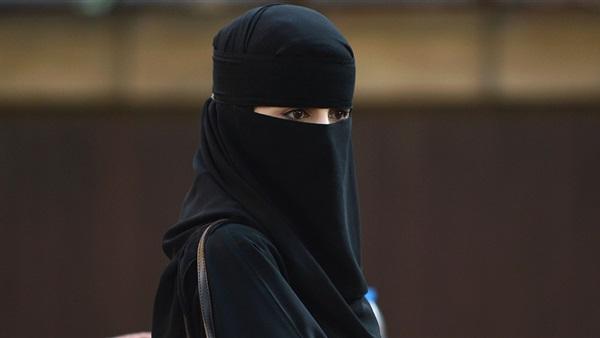 """قالوا انها يمنية و الأمن السعودي يكشف الحقيقية .. شاهد بالصور .. تفاصيل الإطاحة بصاحبة المقاطع """"الإباحية"""" في جدة"""
