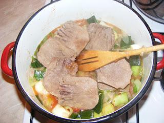 Preparare mancare de praz cu limba retete culinare,