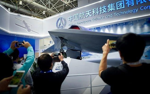 Çin ayrıca Tiengong-1 uzay üssünün inşasına devam ediyor.