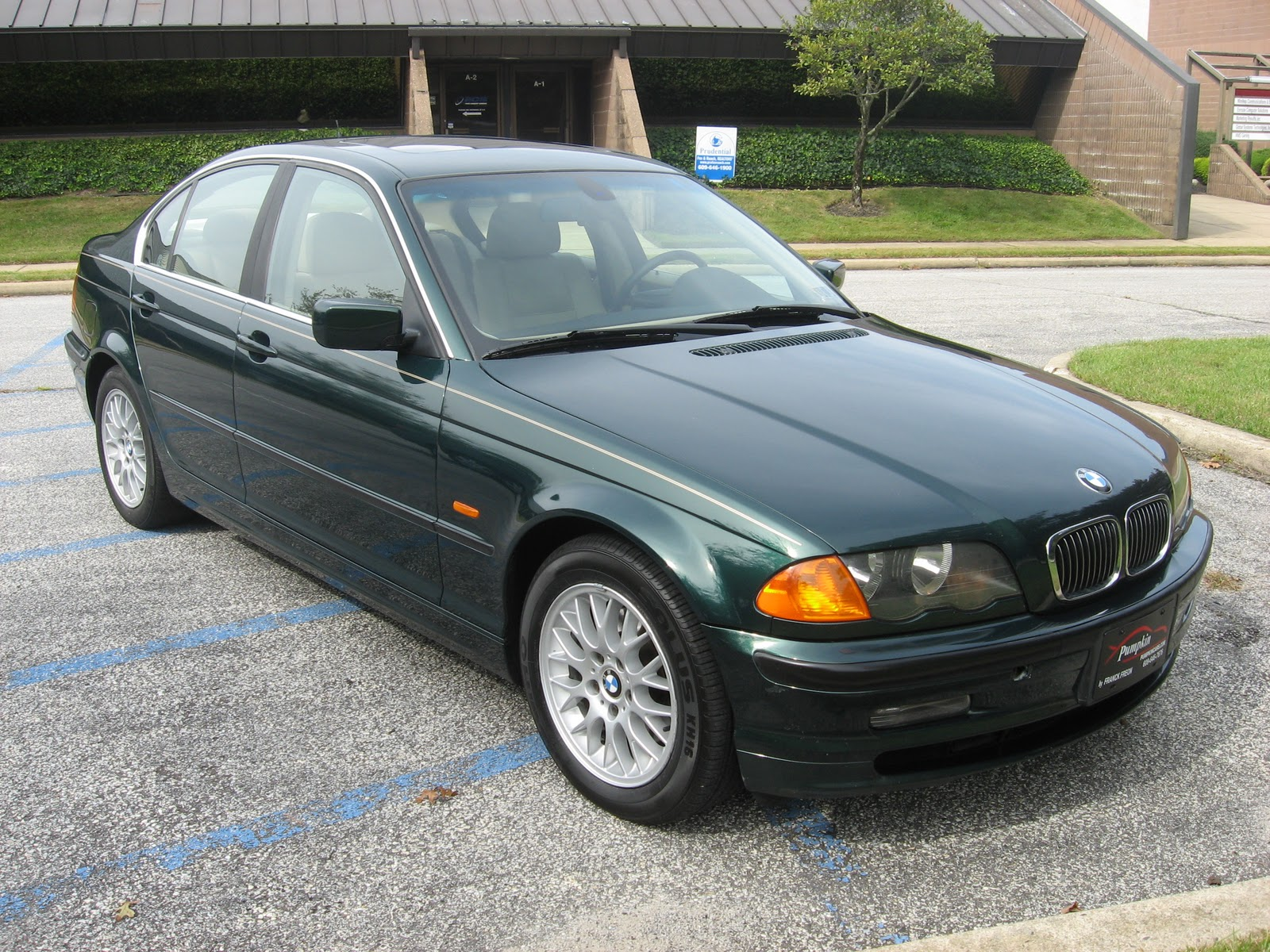 first up we have a very strong and reliable 1999 bmw 328i with 104k miles that has four brand new tires has been fully serviced  [ 1600 x 1200 Pixel ]