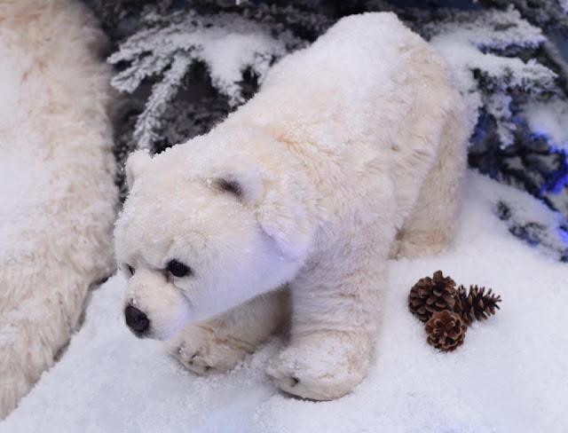 Take a Polar Expedition at the intu Trafford Centre Santa Father Christmas Grotto Christmas 2016