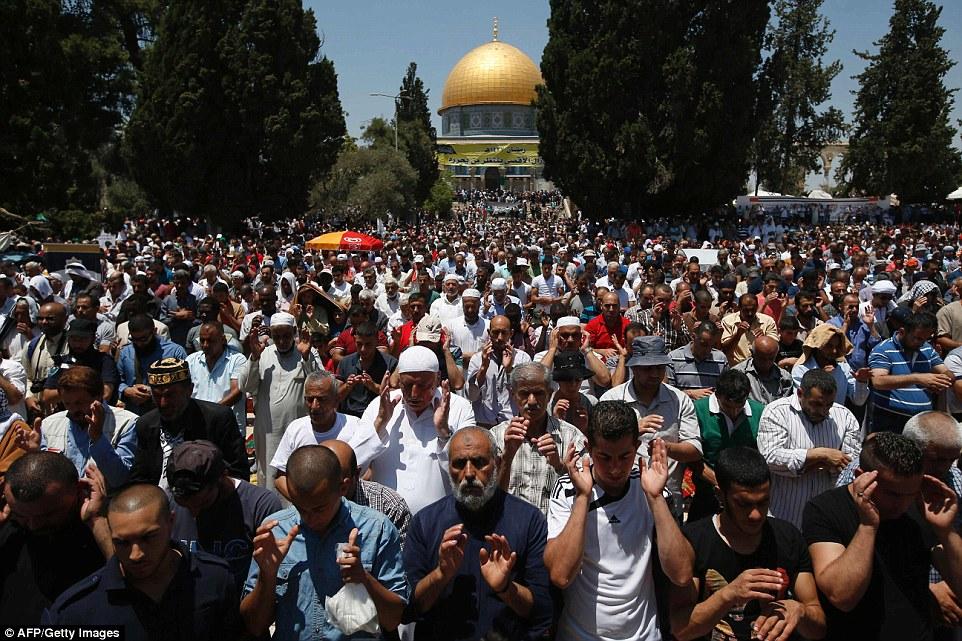 [Video] Ribuan Orang di Masjid Al-Aqsa Laksanakan Shalat Ghaib Untuk Korban Penembakan di Selandia Baru