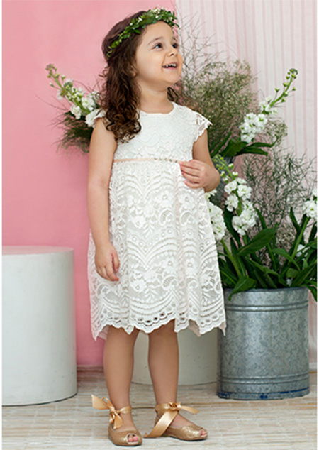 Vestidos blancos de fiesta moda verano 2018 niñas.