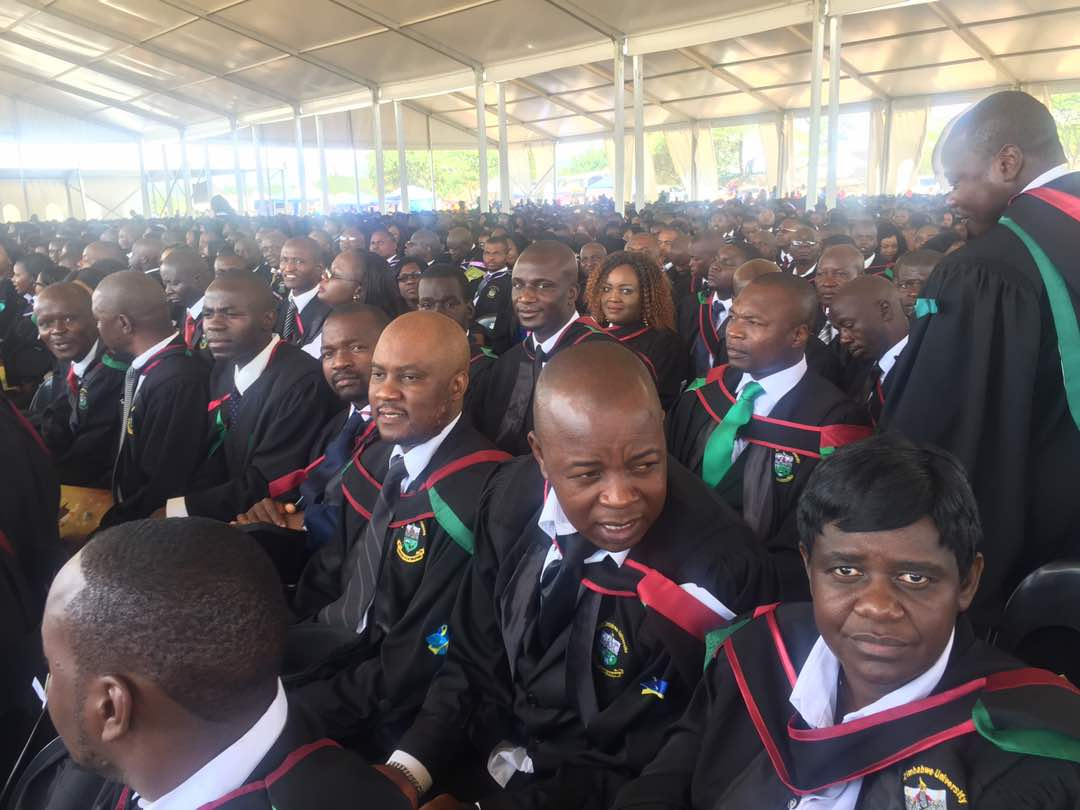 NewsdzeZimbabwe: MUGABE CAPS 3445 MORE GRADUATES