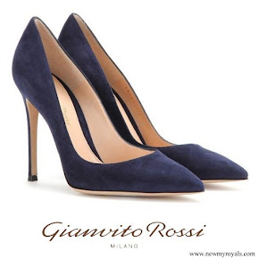 Queen Rania wore Gianvito Rossi Blue Suede Pumps
