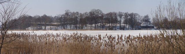 Panorama piastowskiego grodziska na Ostrowie Lednickim