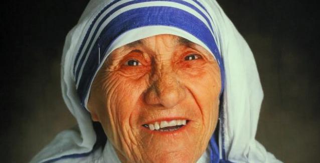 Μητέρα Τερέζα: Hταν η «αγία των φτωχών»  πράκτορας της CIA; η κάτι άλλο?