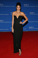 kendall jenner sexy low-cut black gown best red carpet dresses