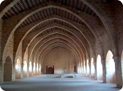 Dormitorio de los monjes en el Monasterio de Santes Creus