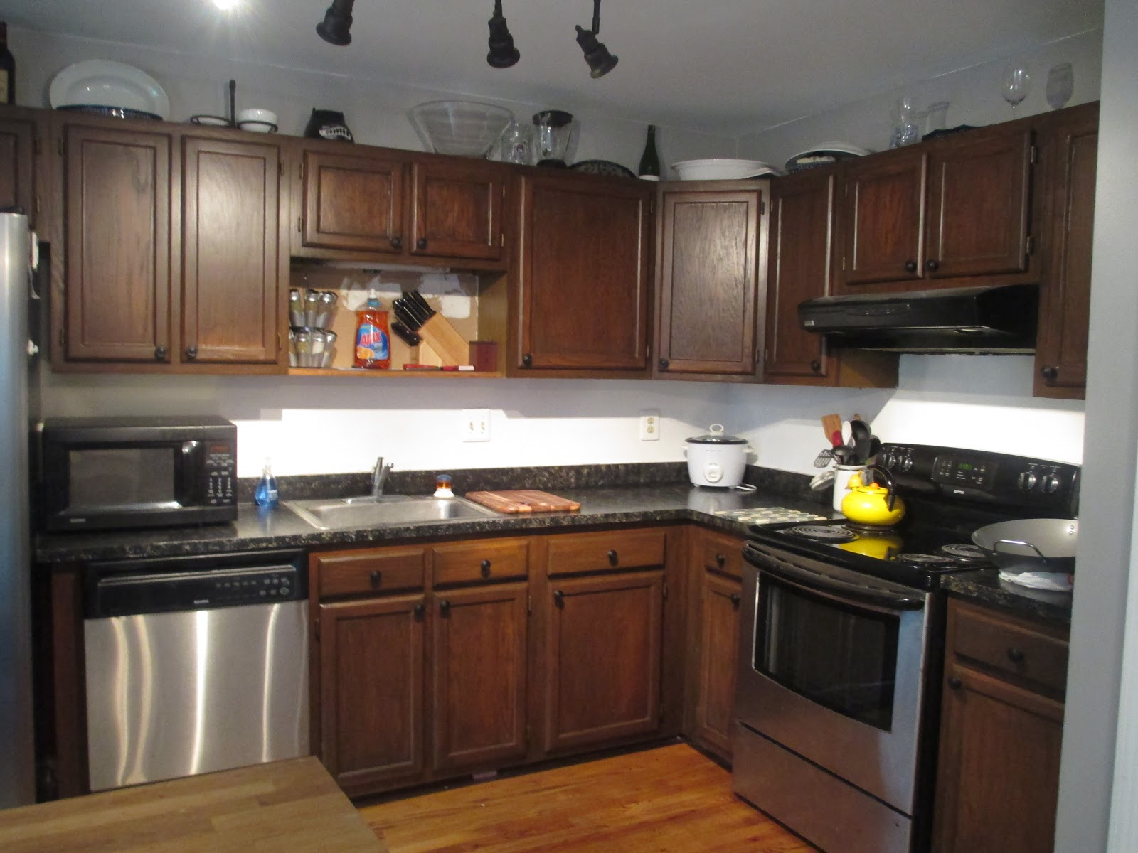 instructions restaining kitchen cabinets restaining kitchen cabinets after
