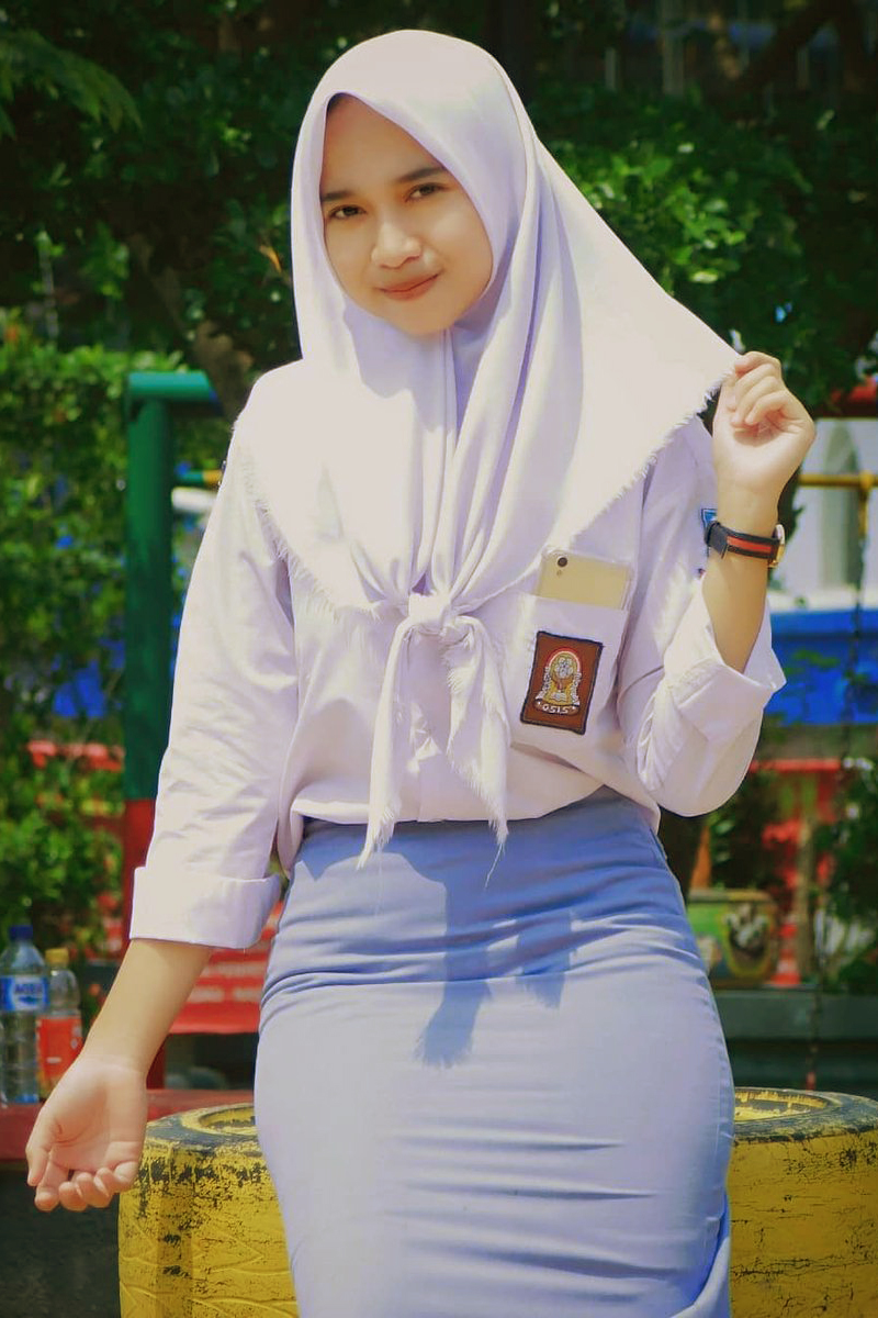 Siswi Jilbab SMA Cantik korea selatan