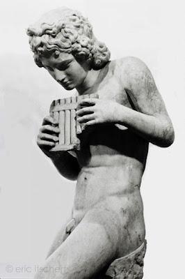 Daphnis, Sculptures, dieux, sculpture antique, Musée du Cinquantenaire, mythologie, amant, éraste, éromène,