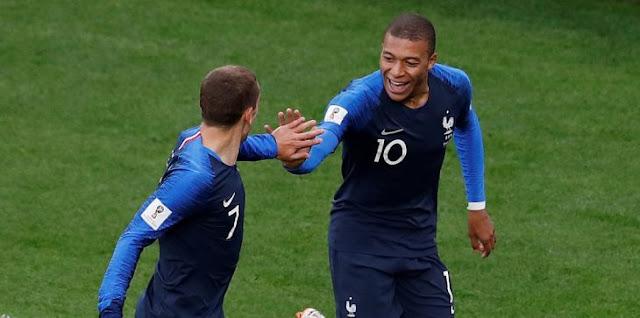 فرنسا تستعين بالتاريخ لفك عقدة أوروجواي
