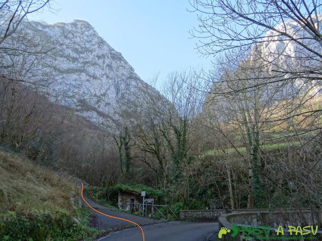 Inicio de la ruta a la entrada de Taranes