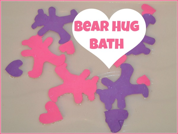 Valentine's Day Bath: Bear hugs bath