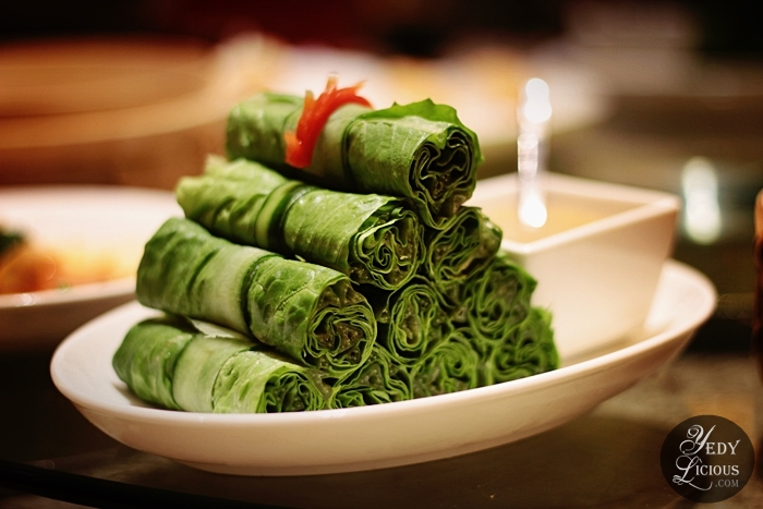 Lettuce Roll with Homemade Sesame Sauce