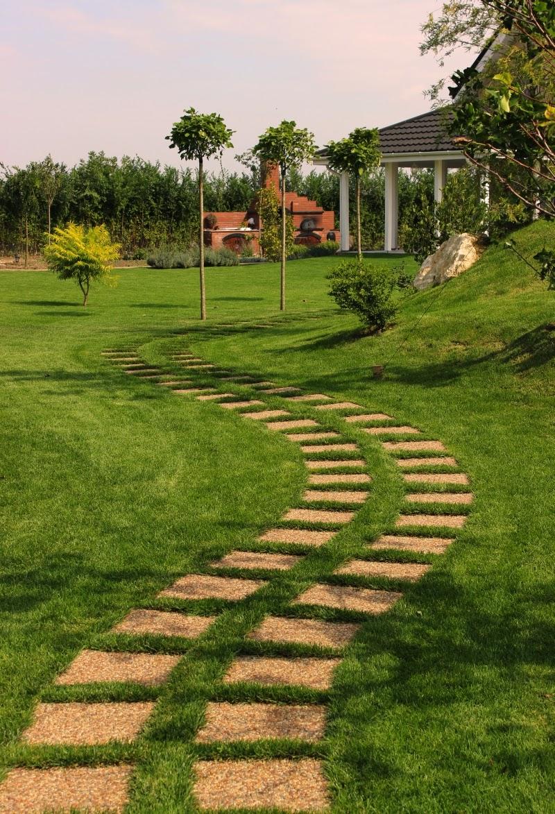 amenajare simpla a gradinii alee inierbata dale pavaj gradina patrate in iarba gazon curb design proiect gradina arhitect peisagist alexandru gheorghe gratar idei constructie caramida