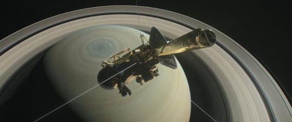 Sonda Cassini de la NASA se sumerge en los anillos de Saturno