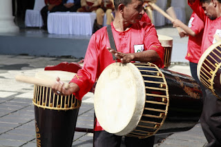 Harmonisasi Budaya Dalam Alunan Nada Tifa Totobuang