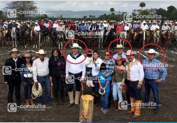 Primo de Moreno Valle también posó con empresario detenido