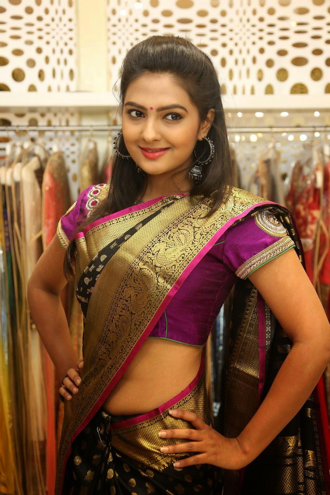 Actress Neha Deshpande Spicy Saree Stills - Cap-4023