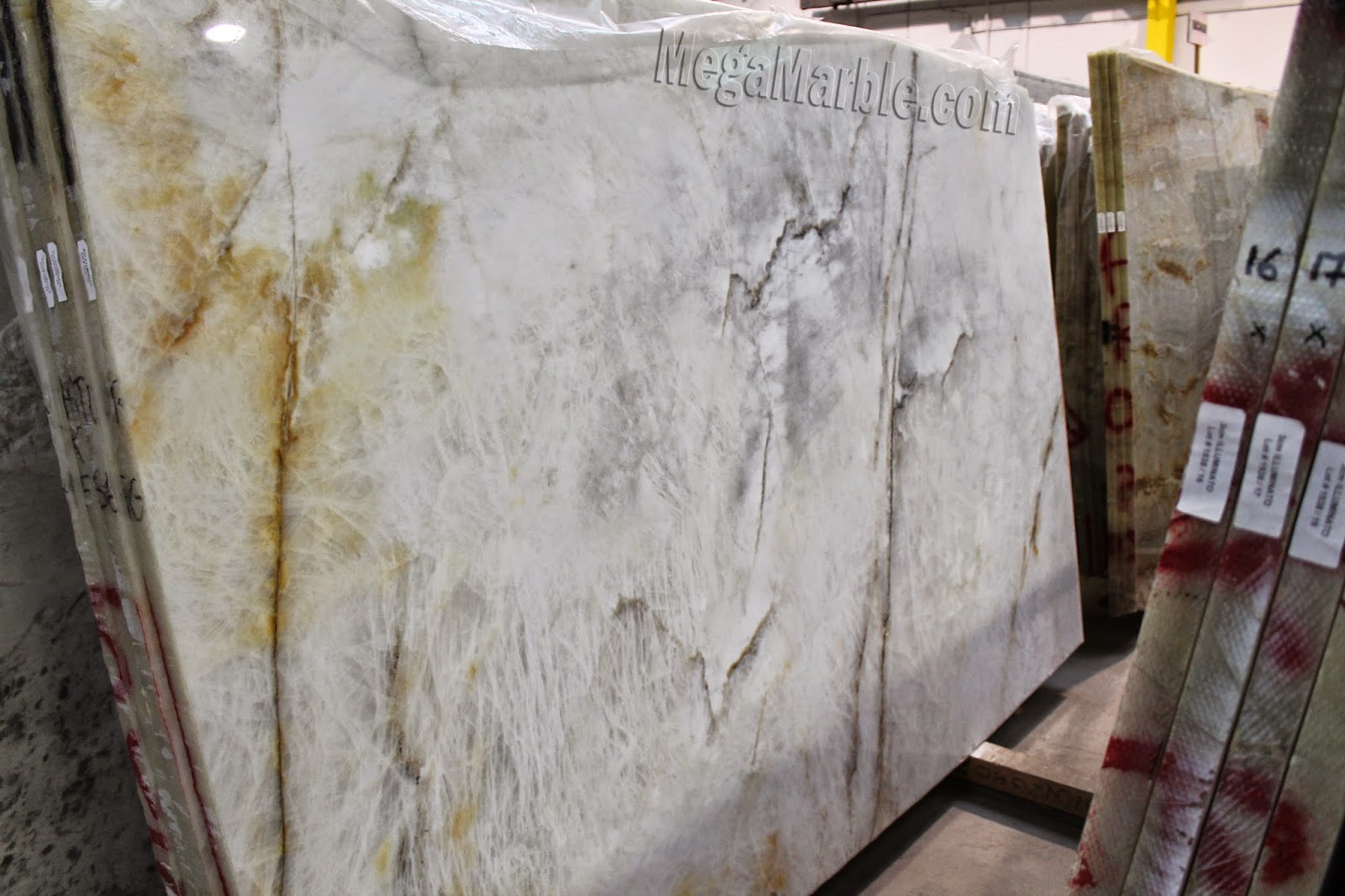 Illuminato Quartzite