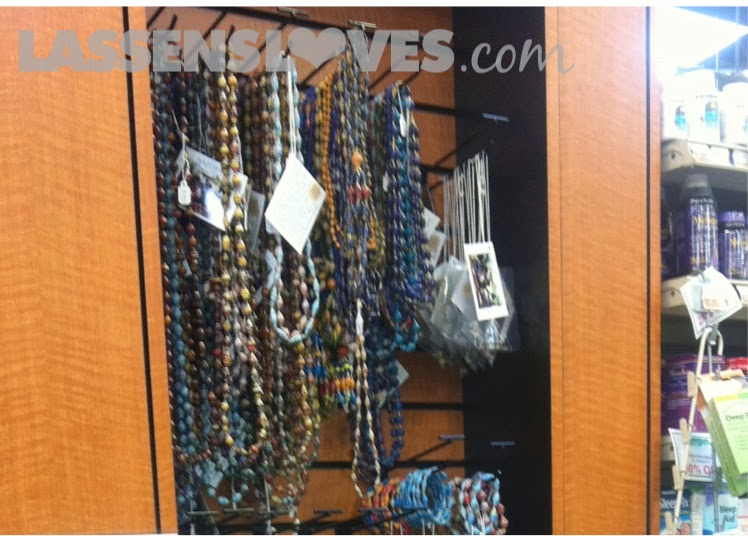 lassensloves.com, Lassen's, Gulu+Uganda, paper+beads, thrive+gulu