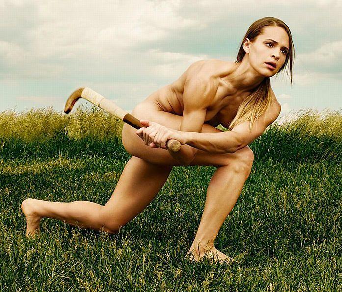 Видео голые знаменитые спортсменки тату группа посмотреть