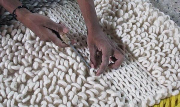 Gan alfombras artesanales con mucho valor social decoraci n for Todo tipo de alfombras