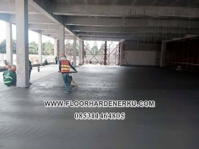 Proses Pengerjaan Trowel Floor Hardener