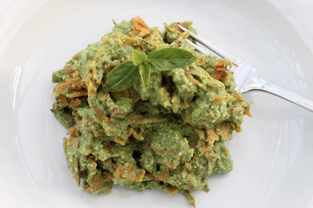 spinach and hazelnut pesto
