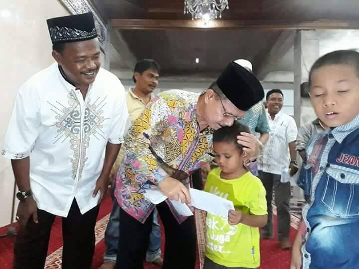 Ali Mukhni Santuni 400 Anak Yatim di Pauhkambar