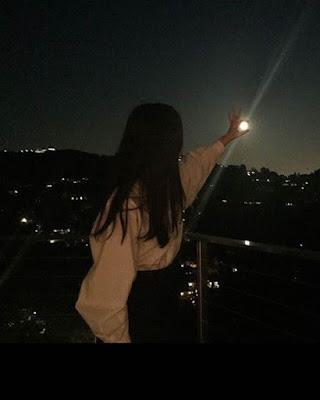 poses tumblr de noche con luna