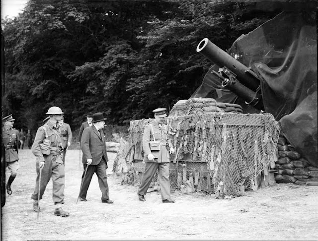 7 August 1940 worldwartwo.filminspector.com Winston Churchill inspecting coastal guns
