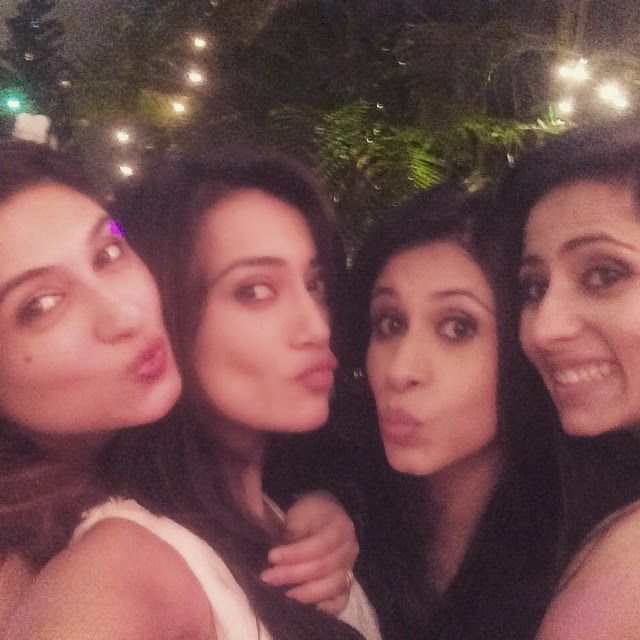 pout n all u know...😜😎😘😊✌️ @vahbz @kishwersmerchantt, Surbhi Jyoti Hot Pics from Parties, Selfie Images with Krystal Dsouza, Nia Sharma