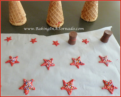 Edible Holiday Trees | www.BakingInATornado.com | #recipe #holiday