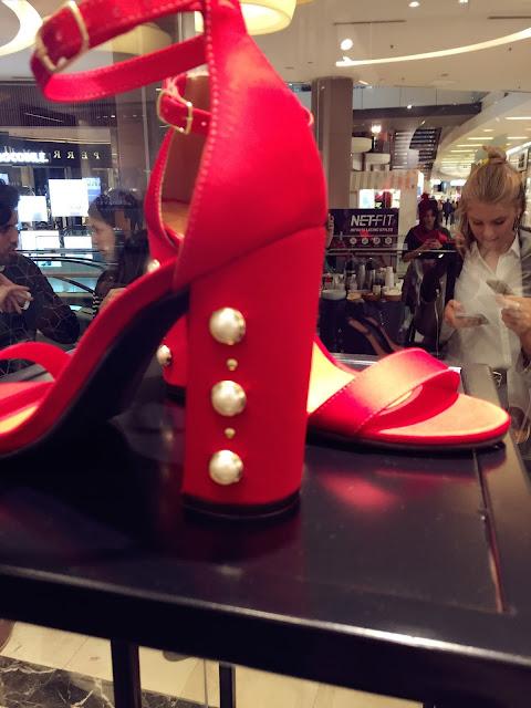 zapatos, via uno, estilo, style, fashion, moda, nueva colección via uno, verano 2018, tendencias, trends, sandalias, construyendo estilo, july latorre, shopping Dot,  mules