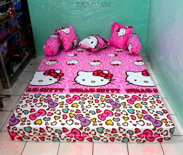 Sofa bed inoac motif Hello kitty pita