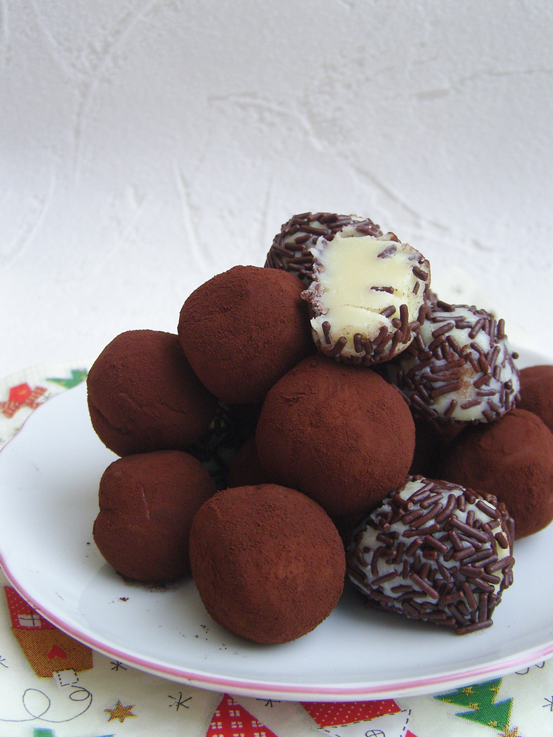 White Chocolate Truffles no bake 4 ingredients