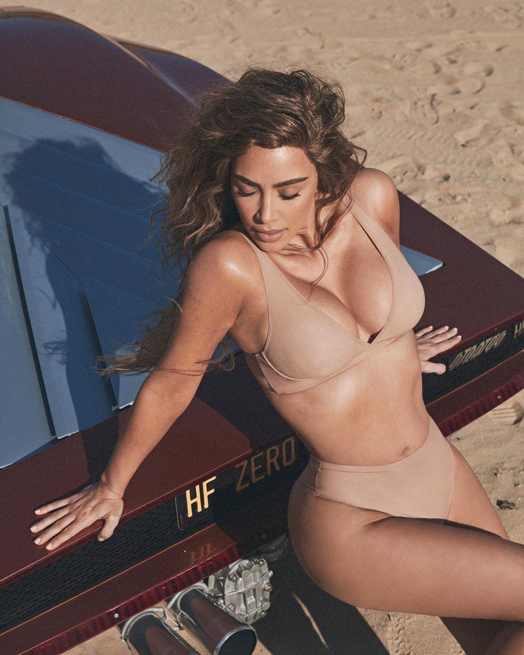 Kim Kardashian beautiful breast