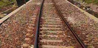 Fungsi batu kerikil di rel kereta api.