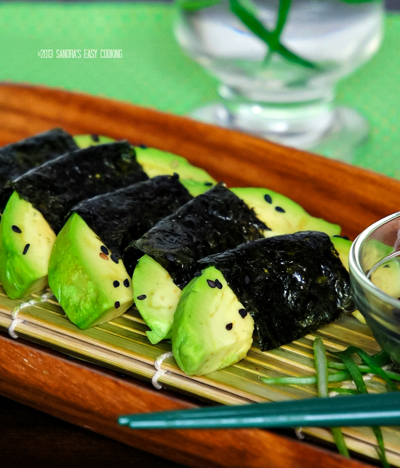 Easy Avocado wrapped with Nori {Seaweed}