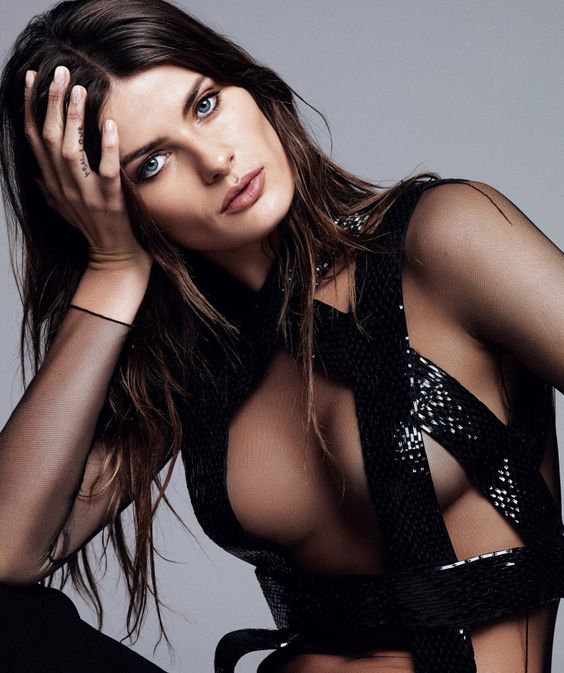 Plato - Publication: Harper's Bazaar Spain April 2015 Model: Isabeli Fontana Photographer: Alique