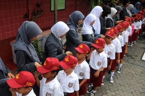 Cara Sekolah Menerapkan Pendidikan Karakter