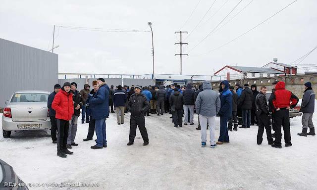 На прошлой неделе порядка 400 работников «Загорского бройлера» бастовали по причине четырёхмесячной задержки заработной платы.