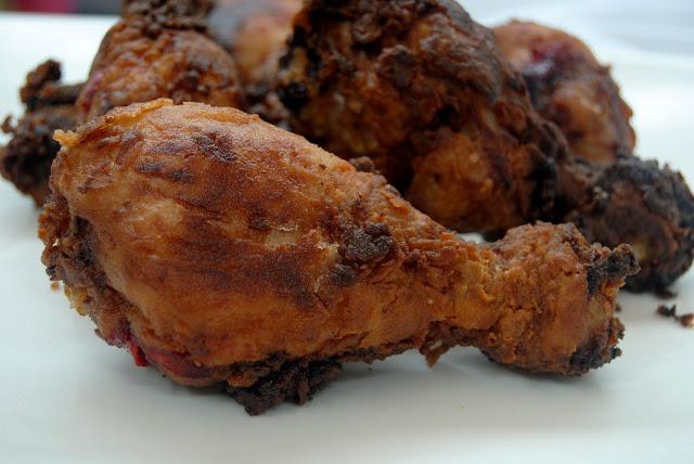 Pollo adobado en Pasta de Gambas (Dán gà tôm) Receta