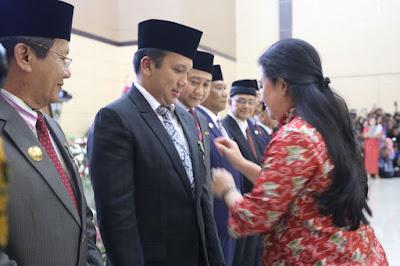 Gubernur Lampung M.Ridho Ficardo Raih Penghargaan Tertinggi Bidang Kependudukan