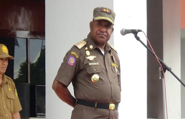 Doren Wakerkwa Imbau Pimpinan SKPD Lama Serahkan Aset dan Personel