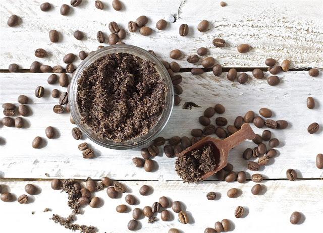 Cực trắng mịn với cách tẩy tế bào chết từ cà phê