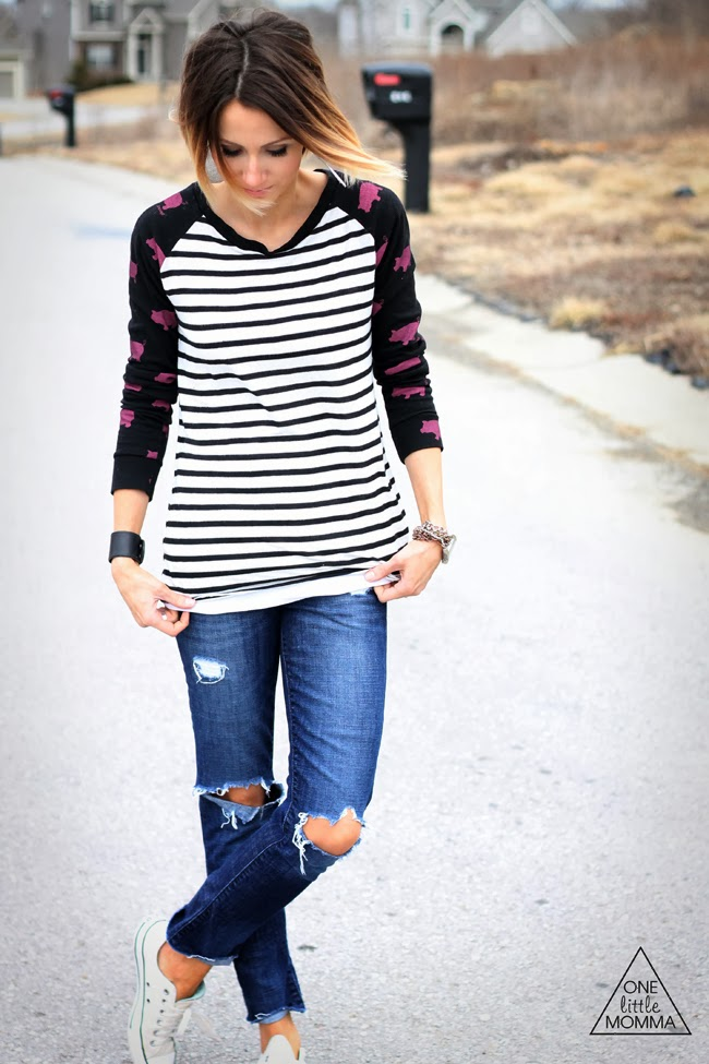 Mixed prints baseball tee and destroyed denim and Converse
